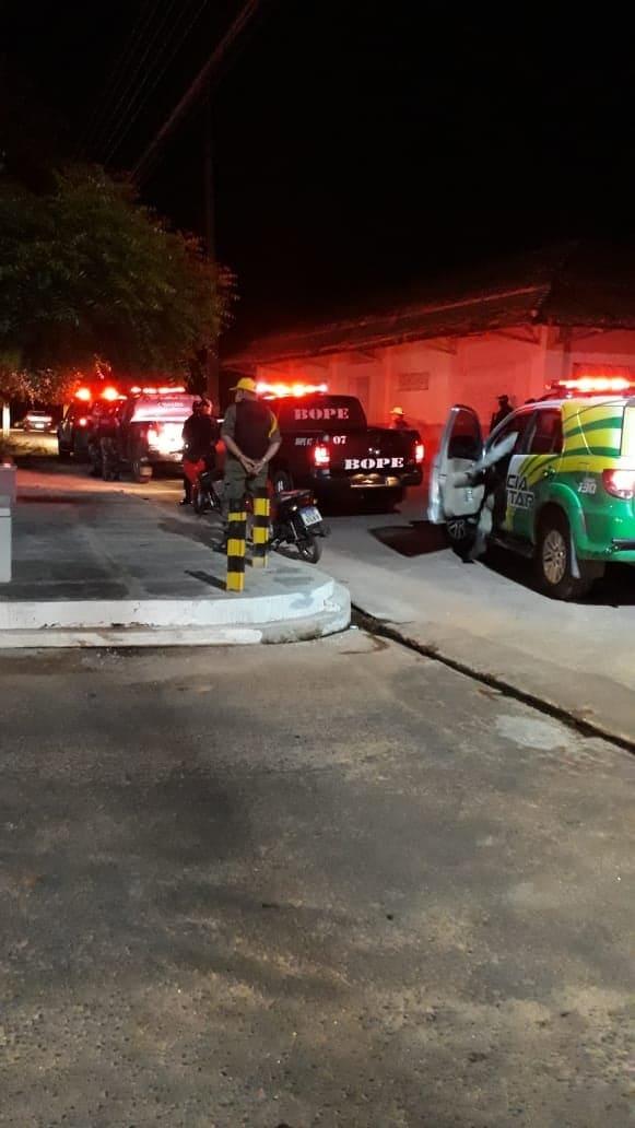 """PM realiza operação """"Candeeiro I"""", em Altos"""