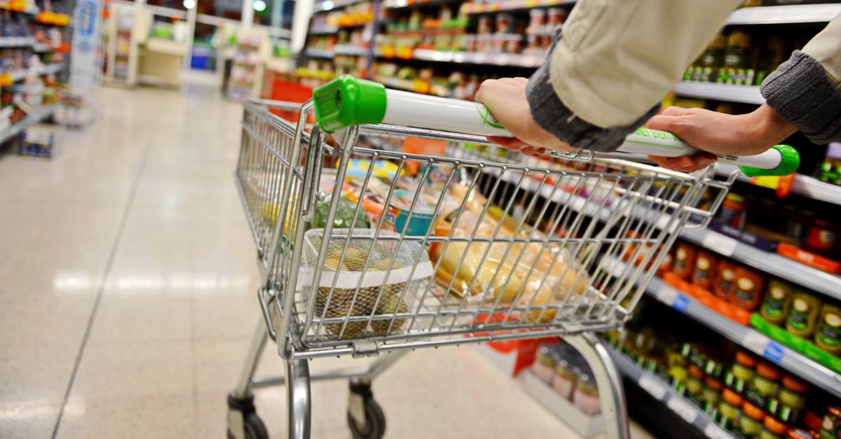 IBGE: auxílio emergencial turbinou venda de alimentos e materiais de construção