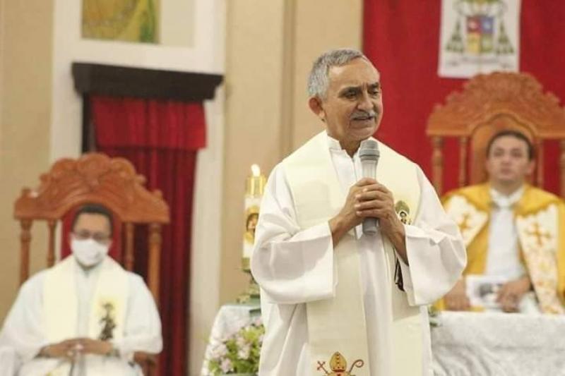 Padre José Lisardo morre aos 65 anos após complicações em hospital de Teresina
