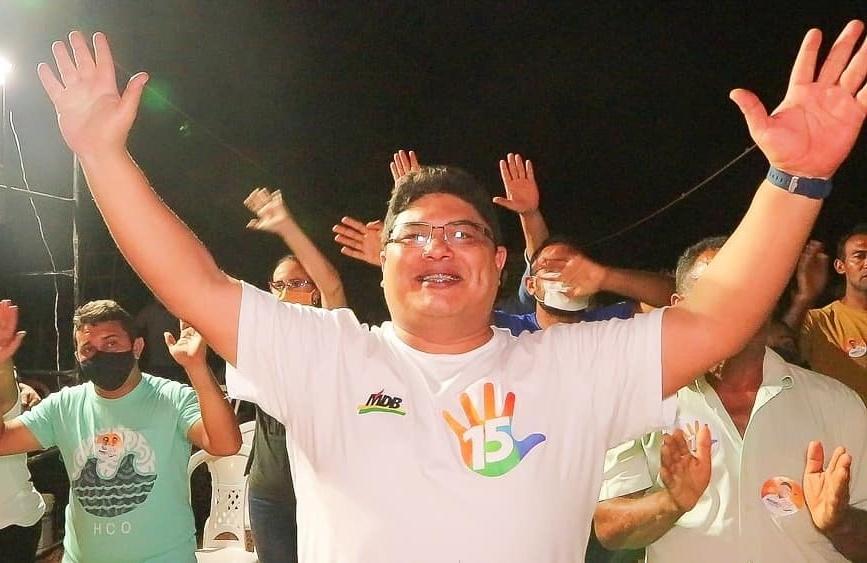 Maxwell da Mariinha vence eleição para prefeito em Altos