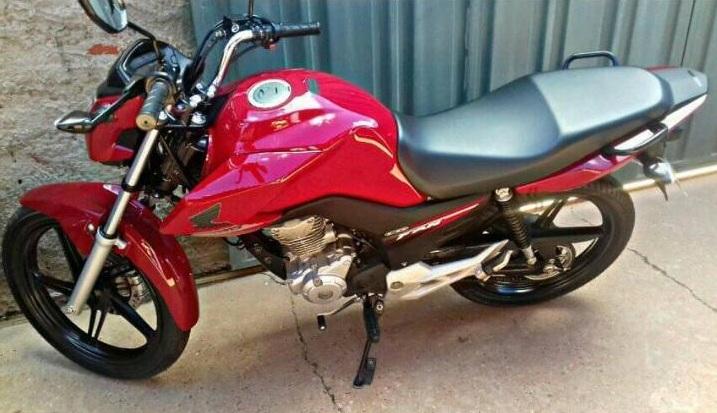 Assaltantes com arma de fogo roubam moto no Bairro Ciana, em Altos