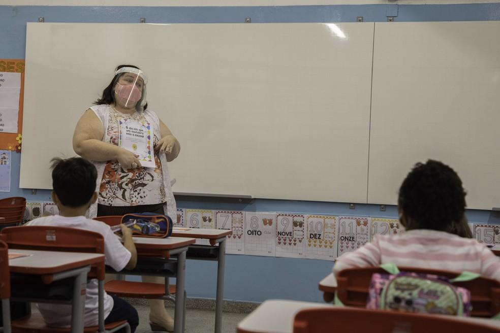 Trabalhadores da educação serão inclusos na 2ª fase da vacinação contra Covid-19 no Piauí