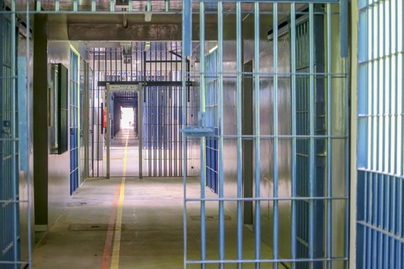Ministério da Saúde diz que presos da Cadeia de Altos morreram por falta de comida adequada