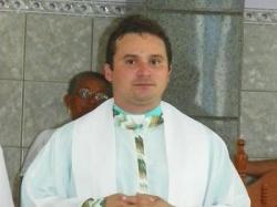 Altos: padre é afastado por problemas psicológicos
