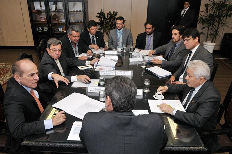 Senadores se reúnem com ministro para duplicar BRs até Altos e Demerval Lobão